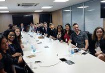 Representantes de Creas Juniores reúnem-se com o presidente do Confea