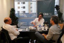 CAU/SC recebe visita do presidente do CREA-SC