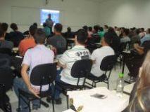 Palestra orienta estudantes de engenharia civil da UNIASSELVI de Blumenau